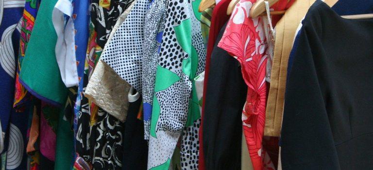 Gardinenfetzen -warum wir Frauen nichts zum Anziehen haben